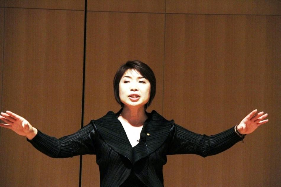 2010年日本語ユーモア優勝者嶋村真由美